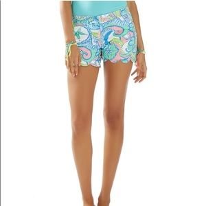 Lilly Pulitzer Buttercup scalloped hem shorts